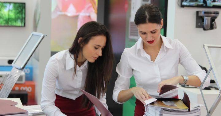 exhibition 2865698 1920 720x380 - O bom relacionamento no ambiente de trabalho. Como anda o seu?